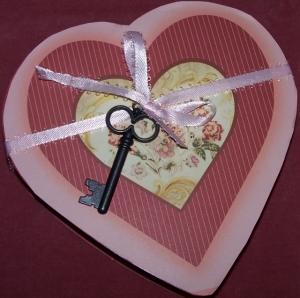 vvv-heart-box