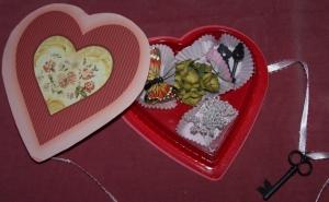 vvv-heart-box2
