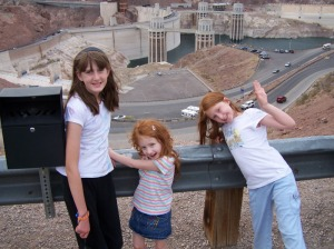 girls at hoover dam